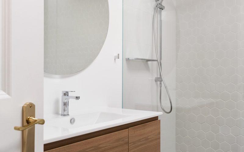 St_Peters_Bathroom1_Low